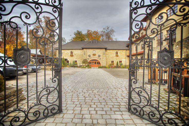 Folwark Stara Winiarnia // Niezwykłe eventy stworzy dla Ciebie http://www.eltoursandevents.com