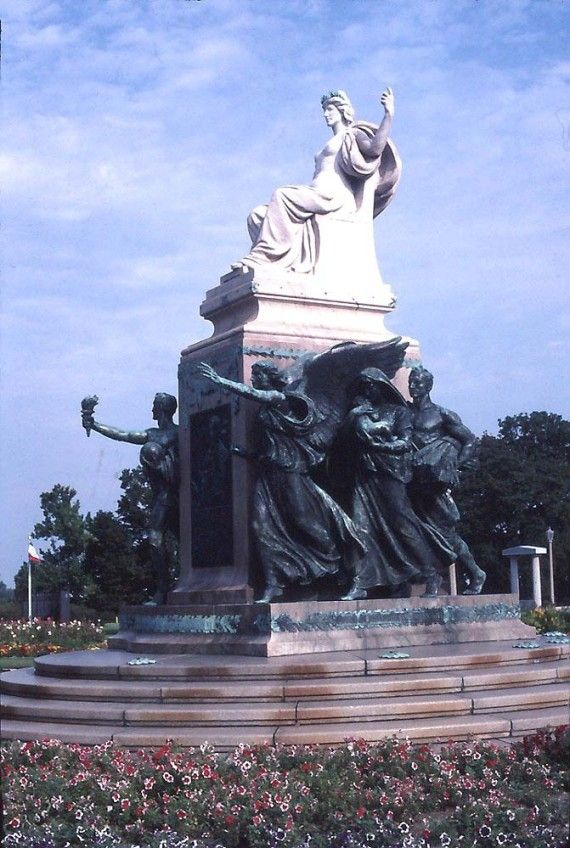 11. Evelyn Beatrice Longman  long  Sen. William Boyd Allison Monument, Des Moines, Iowa 1916  Born: 1874 From: Winchester, Ohio Medium: Sculpture Why we love her: Longman's allegorical sculptures were displayed at art expositions, public buildings, monuments and memorials -- including the Lincoln Memorial. She was also the first woman sculptor to be elected a full member of the National Academy of Design.