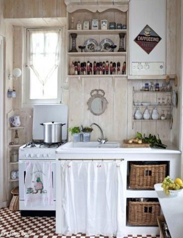 Small kitchen has big, farmhouse style. ELLE Decoration