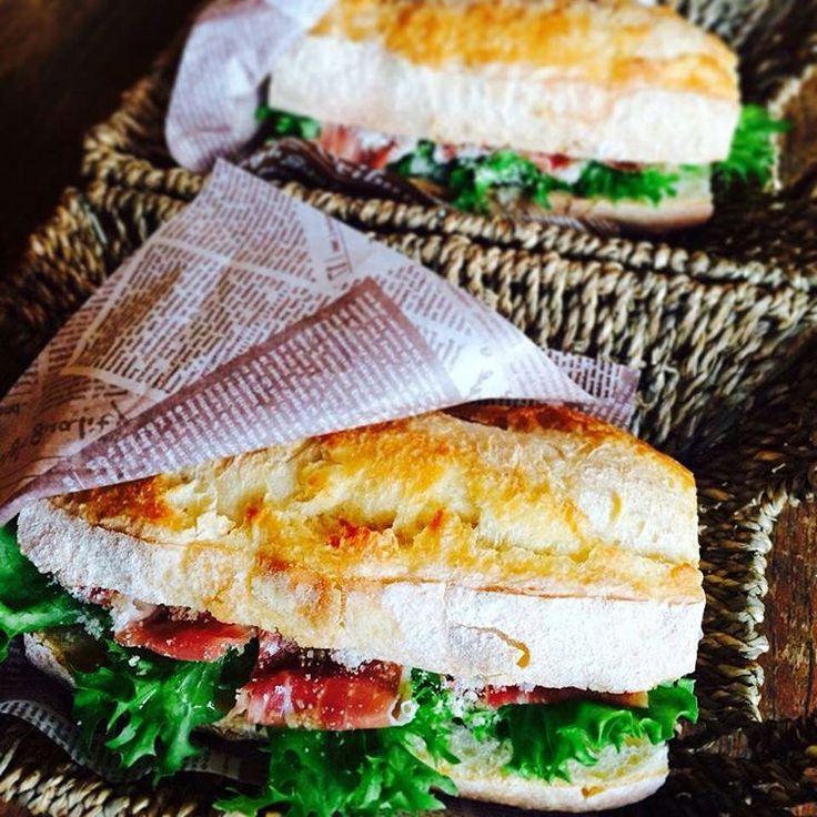 みなさん「カスクート」はご存知ですか?バゲットに野菜や卵などをはさんだ、パリ生まれのサンドイッチのことなのですが、日本でも食べられるお店が増えてきているんですよ。今回はそのレシピと都内で食べられるお店をご紹介します。