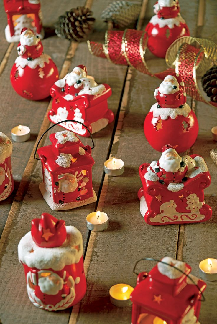 Encender velas en navidad simbolizan paz y tranquilidad. Además, su tenue luz da un ambiente único a esta celebración.  #Deco#Navidad #Santa  #Hogar #EasyChile #EasyTienda#TiendaEasy