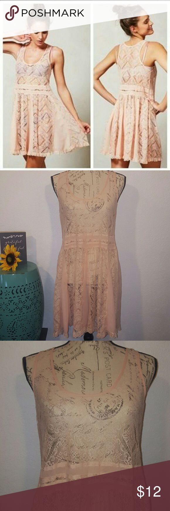 🎉HP🎉 E by Eloise Anthropology Lace Dress Peach lace dress, great layering piece.  Size medium E by Eloise Dresses Mini