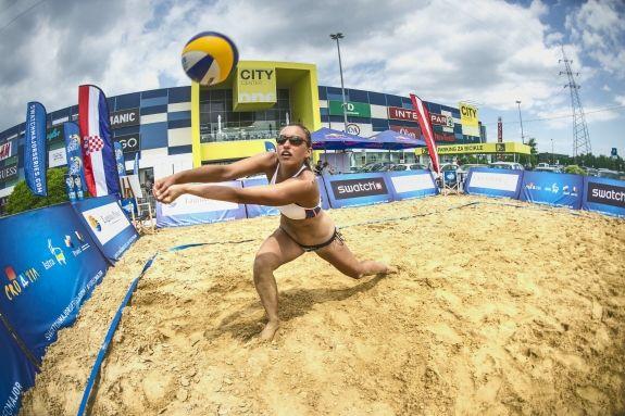 Beach volleyball thriller at smart Major Hamburg Get the whole story!  http://www.independentsportsnews.com/2016/06/09/beach-volleyball-thriller-at-smart-major-hamburg/