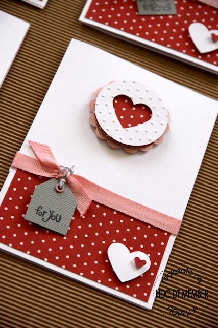 A simple #DIY Valentines Day card. Slip a giftcard in and you're ready!