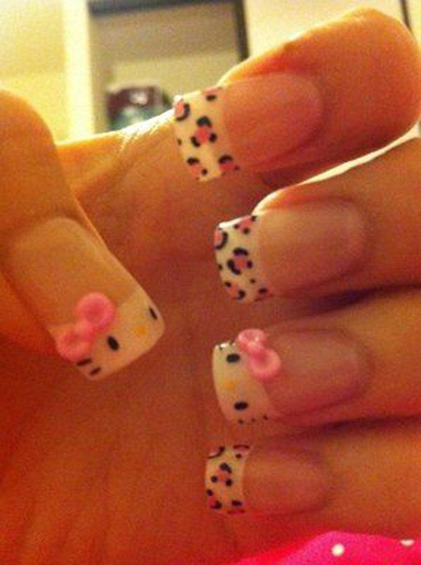 Tip your nails with Hello Kitty and leopard prints! This nail art is so cute and adorable as Hello Kitty appears on the tips of your nails with her cute little pink bow and whiskers on top. Simple, easy to create and more importantly, looking fabulous.