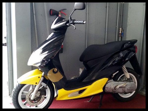 YAMAHA JOG 50 RR. 17.406 km. Año 2005. Precio: 550 euros. #Yamaha #Jog50RR #Gipuzkoa #irun #Motos #ocasion #Segundamano