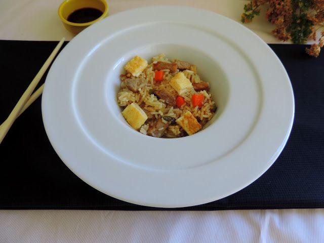 http://www.cocinandoconlaschachas.com/2015/10/arroz-frito-con-verduras-tortilla-y.html