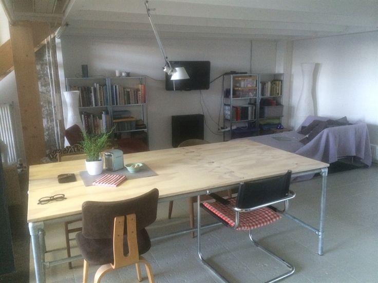 Prikbord werkruimte voor kunstenaars
