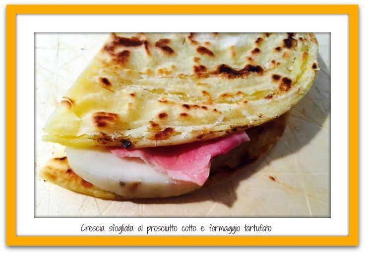 """Crescia sfogliata """"il Panaro"""" farcita con  prosciutto cotto e formaggio al tartufo.#golositalia"""