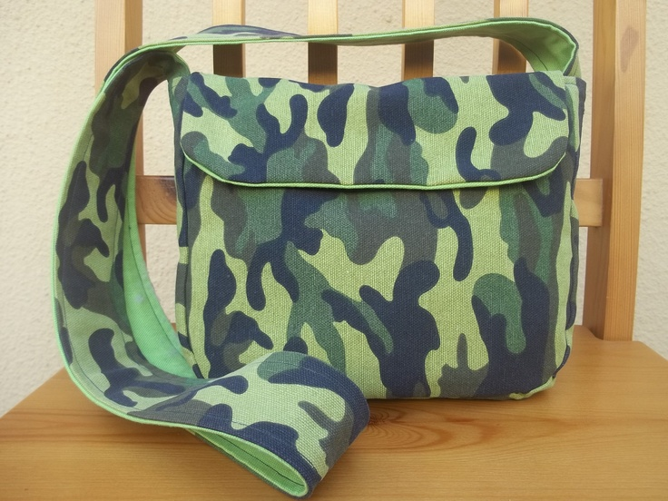 Green camouflage mini messenger bag. Light green inside. Inspired by: http://crazylittleprojects.com/2012/03/reversible-messenger-bag.html - but pattern modified.