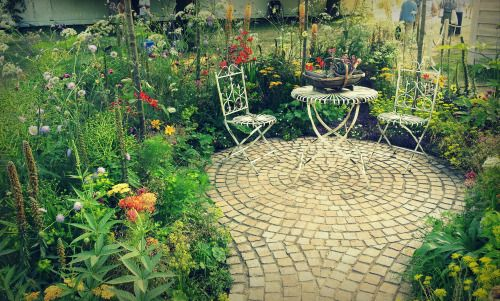 'The Hot Stuff Garden',Hampton Court Palace Flower Show.