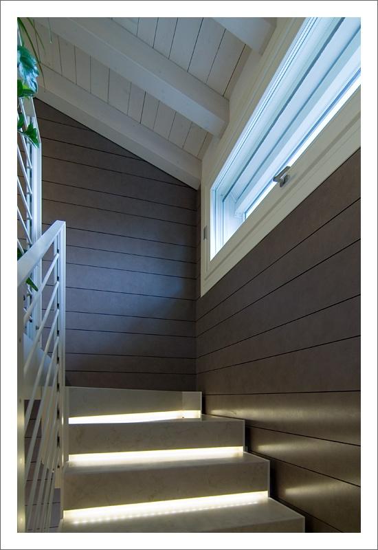 17 migliori idee su finestre interne su pinterest persiane interne cornici delle finestre e - Capottina parapioggia per porte e finestre ...