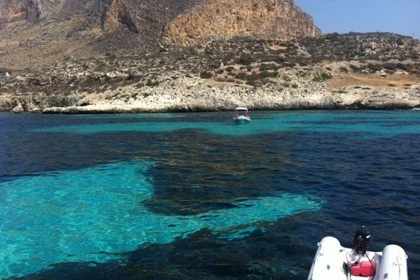 http://www.jonas.it/isole_egadi_catamarano_301.html http://www.jonas.it/egad_sub_1175.html