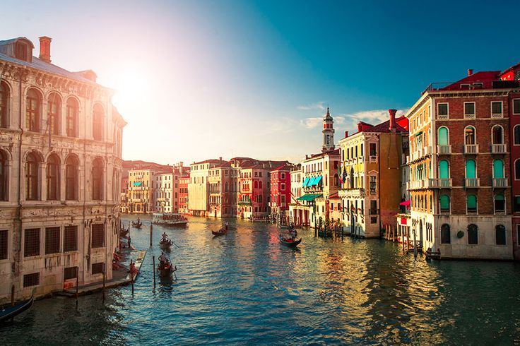 amazing-places-to-see-before-you-die-30     Venice, Italy