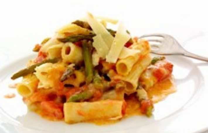 This is an excellent way to turn 8 oz (225 g) of asparagus stalks into a substantial supper dish for two people. Vegetarians might like to know that a vegetarian parmesan-style cheese is available from www.bookhamcheese.co.uk