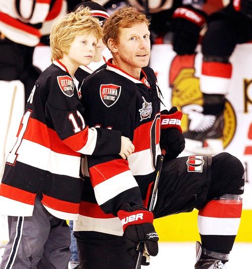 Daniel Alfredsson -Ottawa Senators with his son.