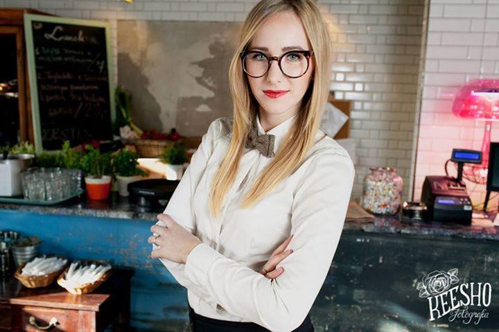 Blonde girl = smart girl!