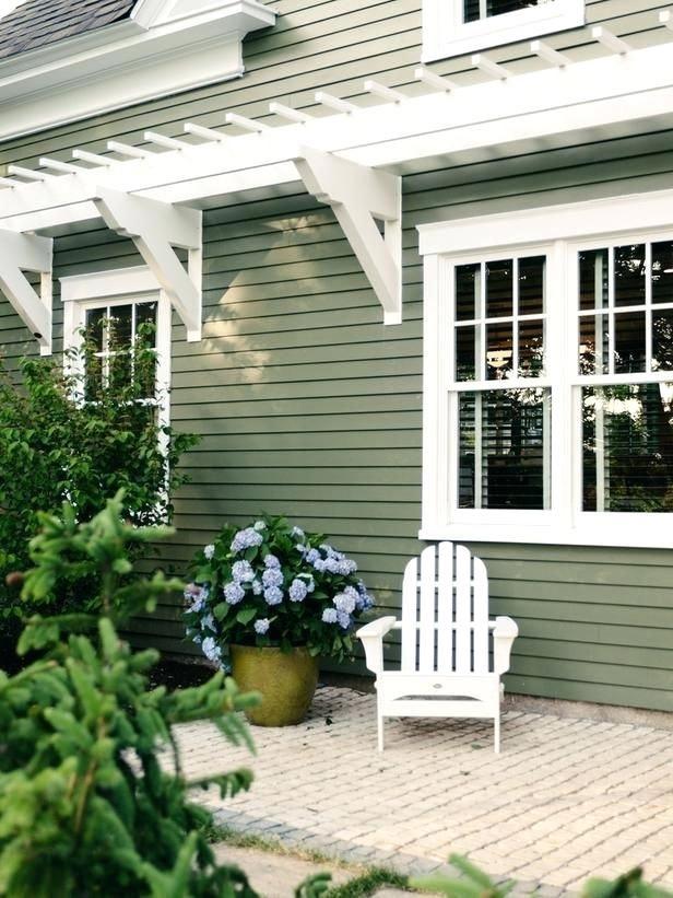 35 Ways To Use Sage Green Coastal Sage Siding Pictures Coastal Sage Vinyl Siding Alside Coastal Sage Green House Exterior House Paint Exterior Cottage Exterior