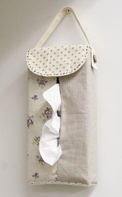 boite de mouchoirs .... Hanging tissue box cover [Use] Fabric Boyle a washer / Ivory → 38.5cm × 14cm cotton linen. dots Canvas / Purple → 27cm × 19.5cm floral cotton linen. Natural → 27cm × 72.5cm plain. linen [Others] ★ this blend tape → 60cm × 1 ★ coconut button (φ15mm) → 1 co- ★ Embroidery Thread (Brown)