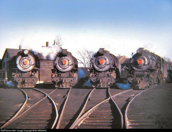 LIRR at Oyster Bay, NY in the glorious summer of 1947. G5s 42, 34, 35, and 23