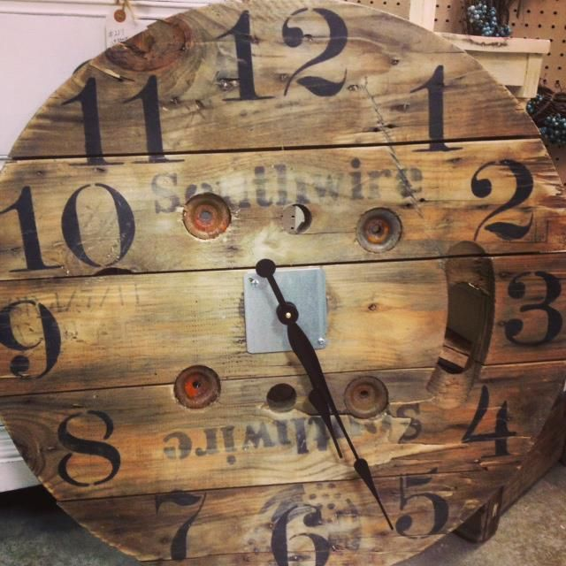 Upcycled wall clock from a cable wire spool. Restoration ...