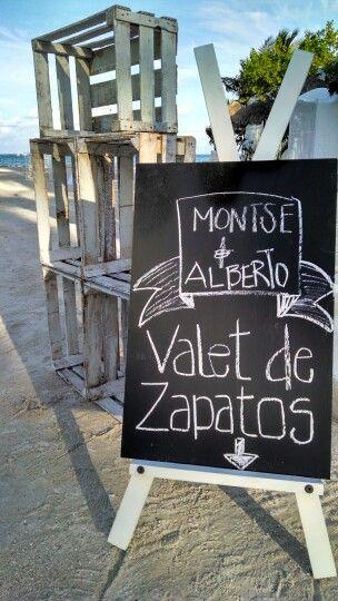 Shoes Valet #BodaenPlaya  www.lovememories.com.mx