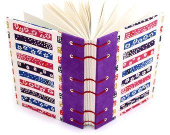 Revista hecha a mano con ondas recortadas de papel japonés