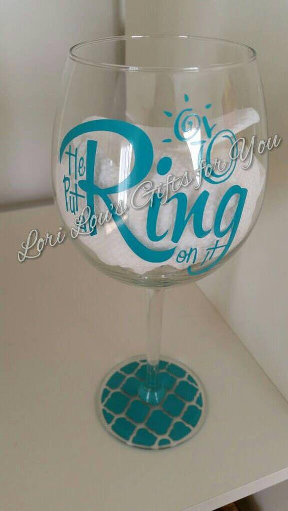Puso un anillo en él etiqueta para vino de cristal vaso o taza, etiqueta de compromiso, despedida de soltera fiesta etiqueta, no incluido