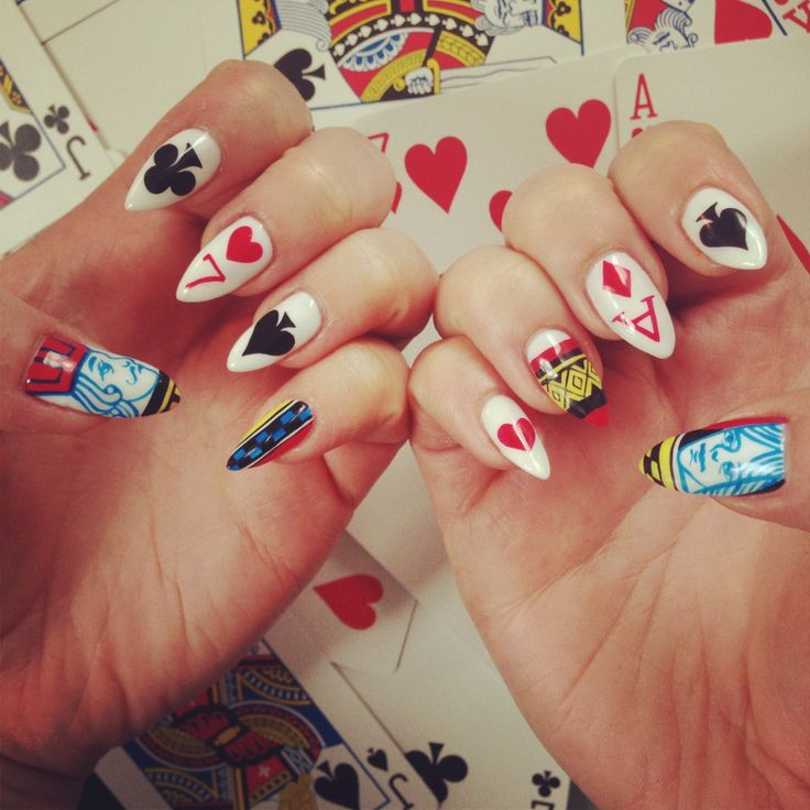 Best 25 queen nails ideas on pinterest neon aztec nails nail king and queen nails prinsesfo Images