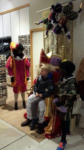 1 december 2013,  Sinterklaas bij V&D te Deventer.