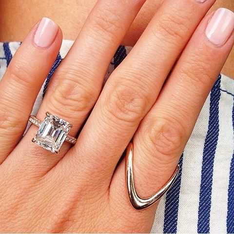 Because I'm Addicted's Geri Hirsch wearing our Classic Bermuda ring in Rose gold next to her absolutely stunning engagement ring #masonstanleyjewelry