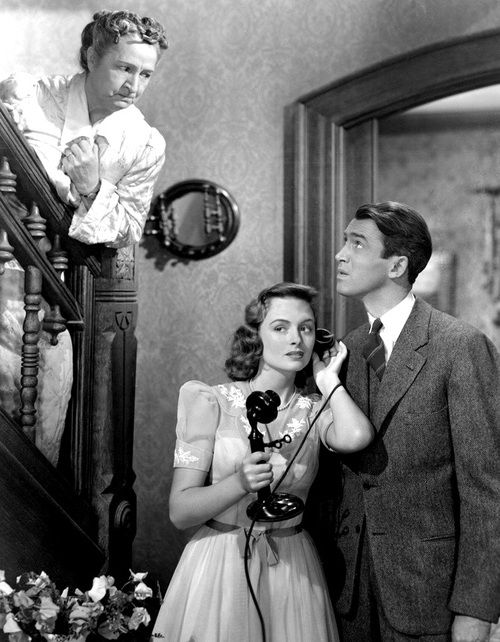 it's a wonderful life 1946 / Love the look between George and Mary's Mom