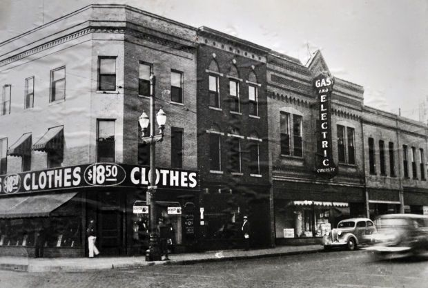 The Porters Furniture Company's purchase of the Wisconsin Gas and Electric company offices at Sixth and Wisconsin was front page news in 1938. The store moved there in 1939.