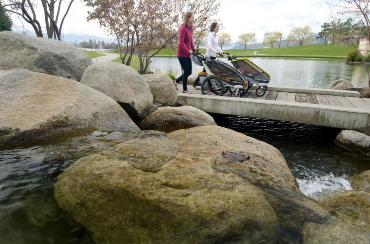 Spacer po takich okolicach to wielka przyjemność, ale nasze polskie tereny też są ok ;-) Z chariotem http://www.planetarodzina.pl/oferta-wypozyczalni/13/przyczepki-rowerowe-chariot-cougar-1/ poczyjecie się prawie jak w Kanadzie :-)