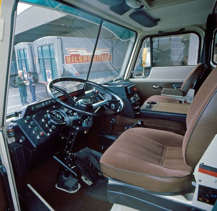 Volvo F89 cab interior update 1975