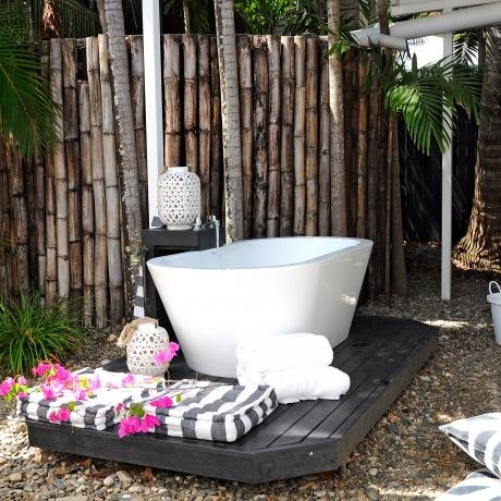 Thirty One Degrees, Port Douglas. Love the outdoor bath and bamboo fence.