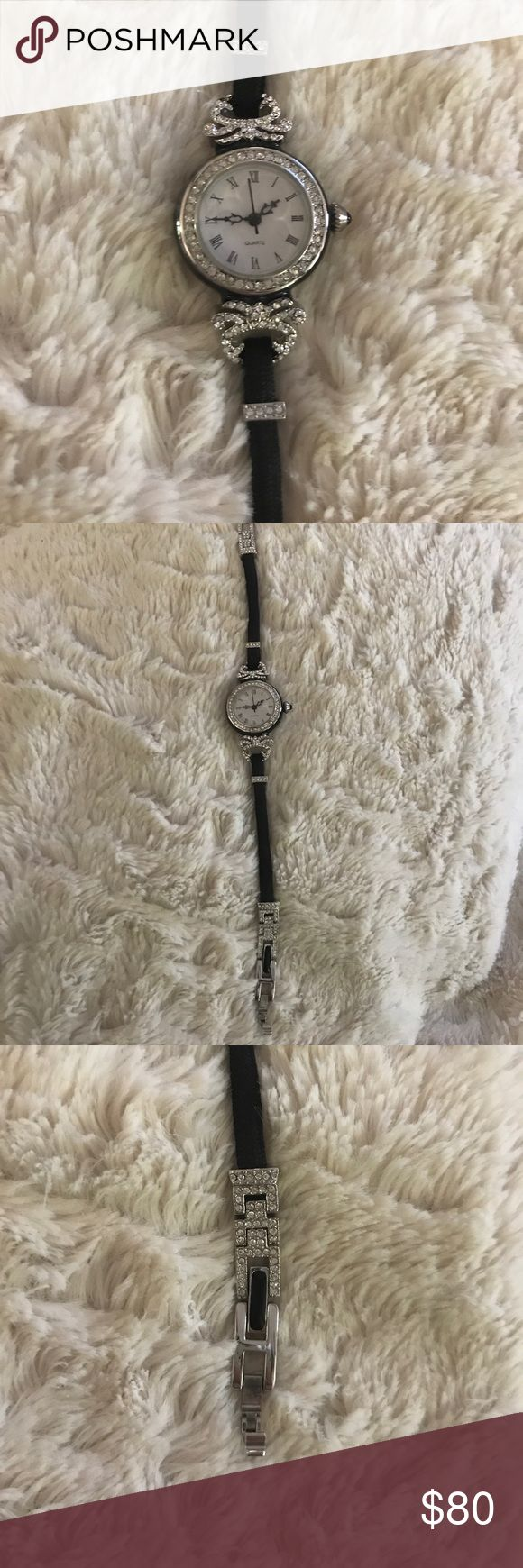 Metropolitan Museum of Art Swarovski watch Never worn beautiful collectible watch from the Metropolitan Museum of Art. Metropolitan Museum of Art Accessories Watches