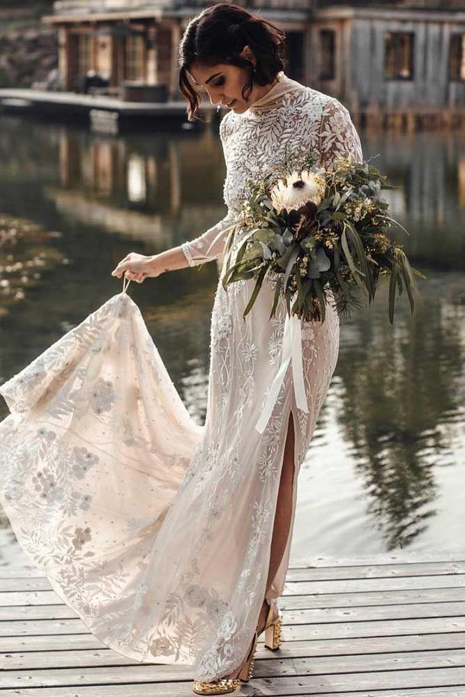 30 Fabulous And Unique Vintage Wedding Dresses To Fit Any Taste Lace Dress Vintage Wedding Dresses Vintage Fancy Wedding Dresses