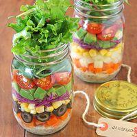 Colorful, beautiful, Cute, easy make, heathy Bottle Salad or food (bento, lunch box)...now is so hit btw Japan's Ladies! 日本で大流行!お好みの野菜を瓶に詰め込んで♪「メイソンジャーサラダ」の作り方とアレンジレシピ集