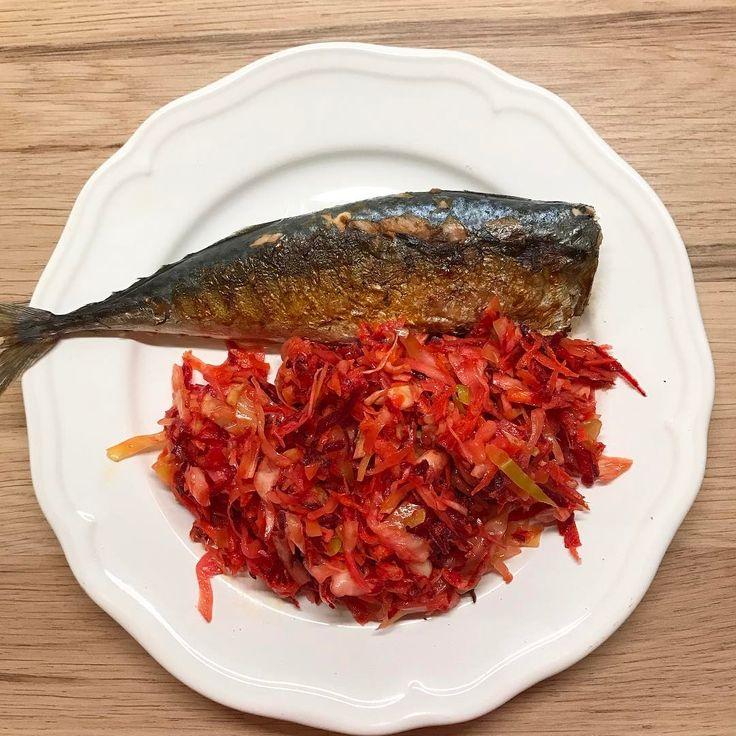 74 отметок «Нравится», 5 комментариев — Евгения (@ne.beauty_blog) в Instagram: «#ппужин  Скумбрия жареная на гриле 🐟 Салат щётка 🥗 из: Капуста🍀 Морковь 🥕  Свёкла 🍠 Рыжиковое масло…»