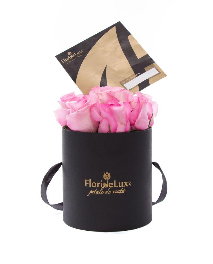 Cum spune si citatul : Mai curand prefer sa am trandafiri pe masa decat diamante la gat (Emma Goldman)... alege un cadou simplu si elegant pentru orice ocazie 😊😁