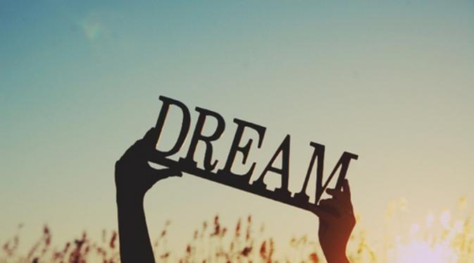 PT RIFAN FINANCINDO BERJANGKA - Ada banyak mimpi yang menyenangkan sekaligus indah untuk diingat lagi. Tapi tak jarang pula