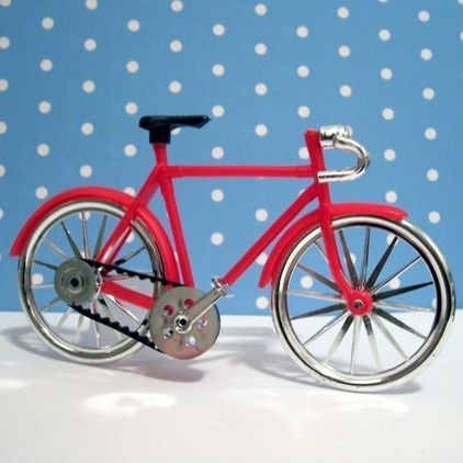 Red Bicycle Cake Topper by Lulu's Cupcake Boutique - $3.65 »   This bicycle cake topper is adorable for a themed birthday party or event. Perfect in miniature, it is a great addition to any celebration.