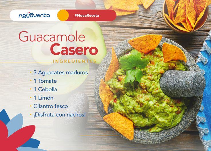 ¡Lleva el sabor de México a tu hogar! ¿Con qué acompañarías este delicioso guacamole?  ---> 1. Pica la cebolla  y el tomate en trozos 2. Tritura el aguacate 3. Añade el jugo de limón  y el cilantro 4. Mezcla todos los ingredientes. ¡Listo!
