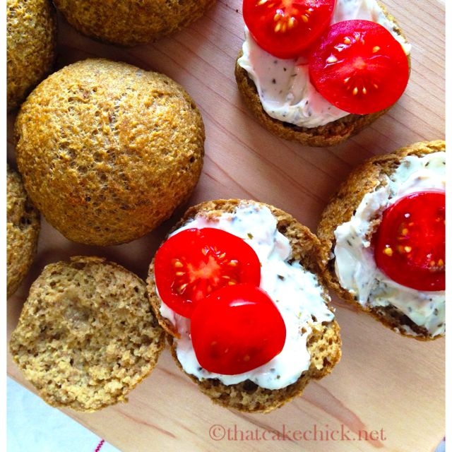 Quick to make, healthy, gluten-free and propped with healthy fibres and protein. These healthy and quick oatmeal rolls make the perfect any-day snack.
