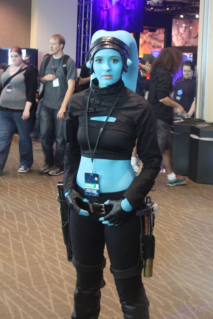 Final look! I have taken my twi'lek to Emerald City Comic Con and Sakur-con as well as PAX. Look for me at these same events and more next year! But, I may look different, you never know. I am alwa...