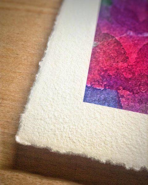 """Otro ejemplo del barbado manual que aplicamos en algunas impresiones giclée. En esta ocasión el papel acuarela de Canson Infinity Aquarelle Rag de 310 gsm al ser """"mould made"""" es perfecto para conseguir este acabado artesanal. #cansoninfinity #deckle #decklededge #deckled #deckleedge #illustration #ilustracion #artprint #giclee #gicleeprint #graficartprints #gap #fineart #fineartprints #prints #impresiongiclee #gicleereproductions #canson #aquarelleRag #digitalart #gicleefineart…"""