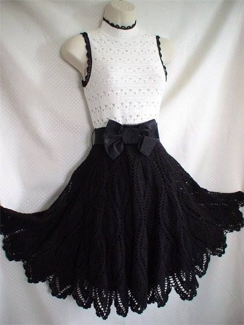 Siyah beyaz örgü bayan elbise