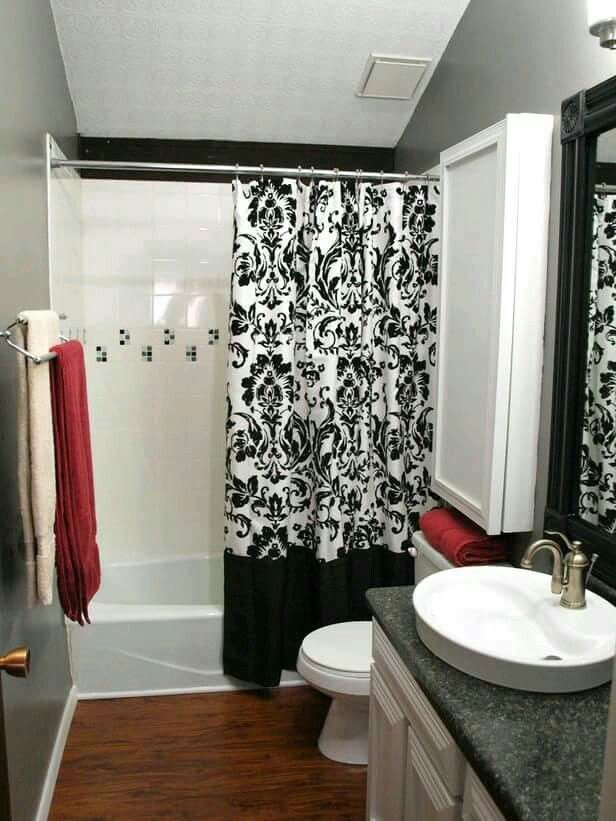 Cortinas De Baño La Oca:Black and White Shower Curtain Bathroom Ideas