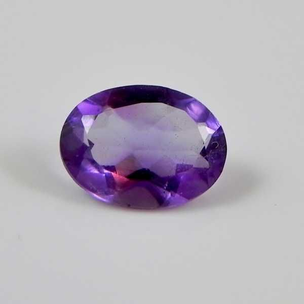 6 x 8 mm Oval African Amethyst  Stone: African Amethyst  Shape: Oval  Size: 6 x 8 mm  Treatment: Untreated  Approximate weight: 1.5 ct